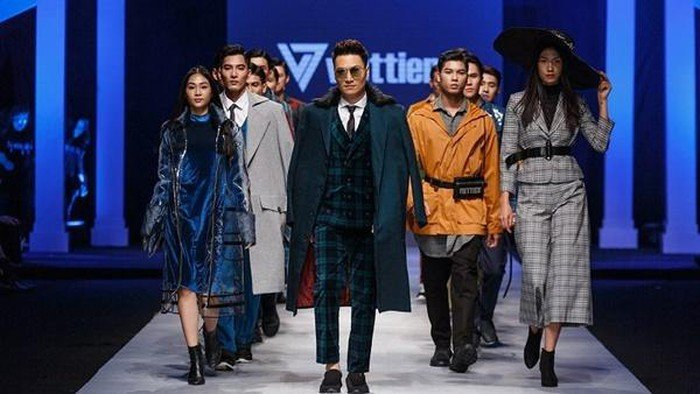 Việt Tiến Việt Nam International Fashion Week 2019 số 2