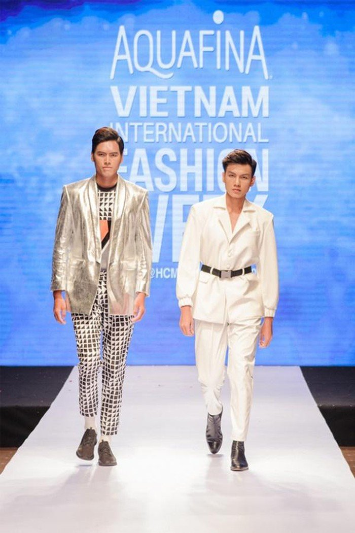 Việt Tiến Việt Nam International Fashion Week 2019 số 3
