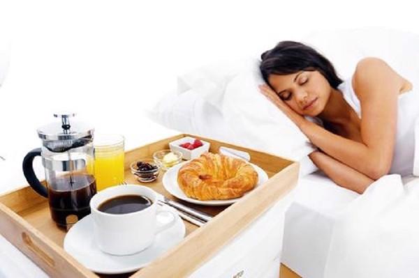 ăn sáng muộn