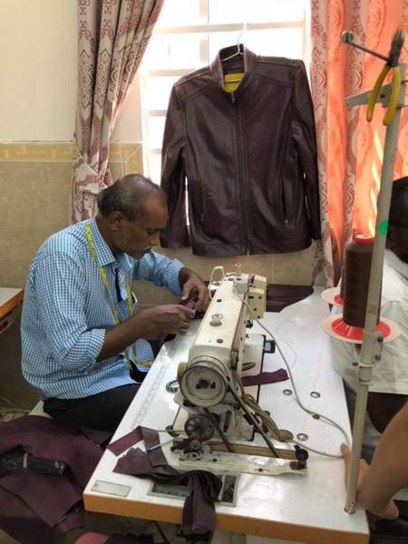 Xưởng may áo da thật xuất khẩu chất lượng cao