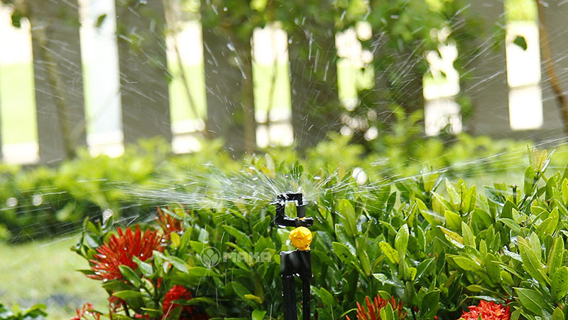 Béc tưới phun mưa Vari Rotor