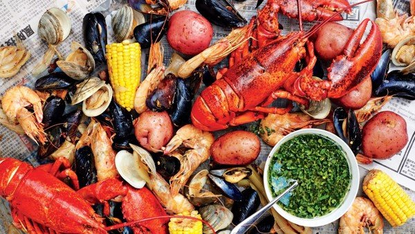 shellfish-boil-with-spicy-green-dipping-sauce_grande