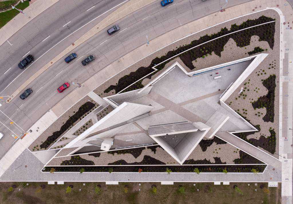 Dự án thiết kế theo biểu tượng ngôi sao của Holocaust