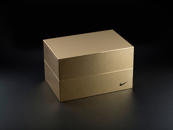 luxury packaging nike mau thiet ke hop cao cap