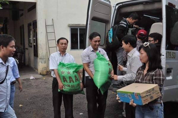 Bao gạo 25kg. Gạo từ thiện vinh hiển