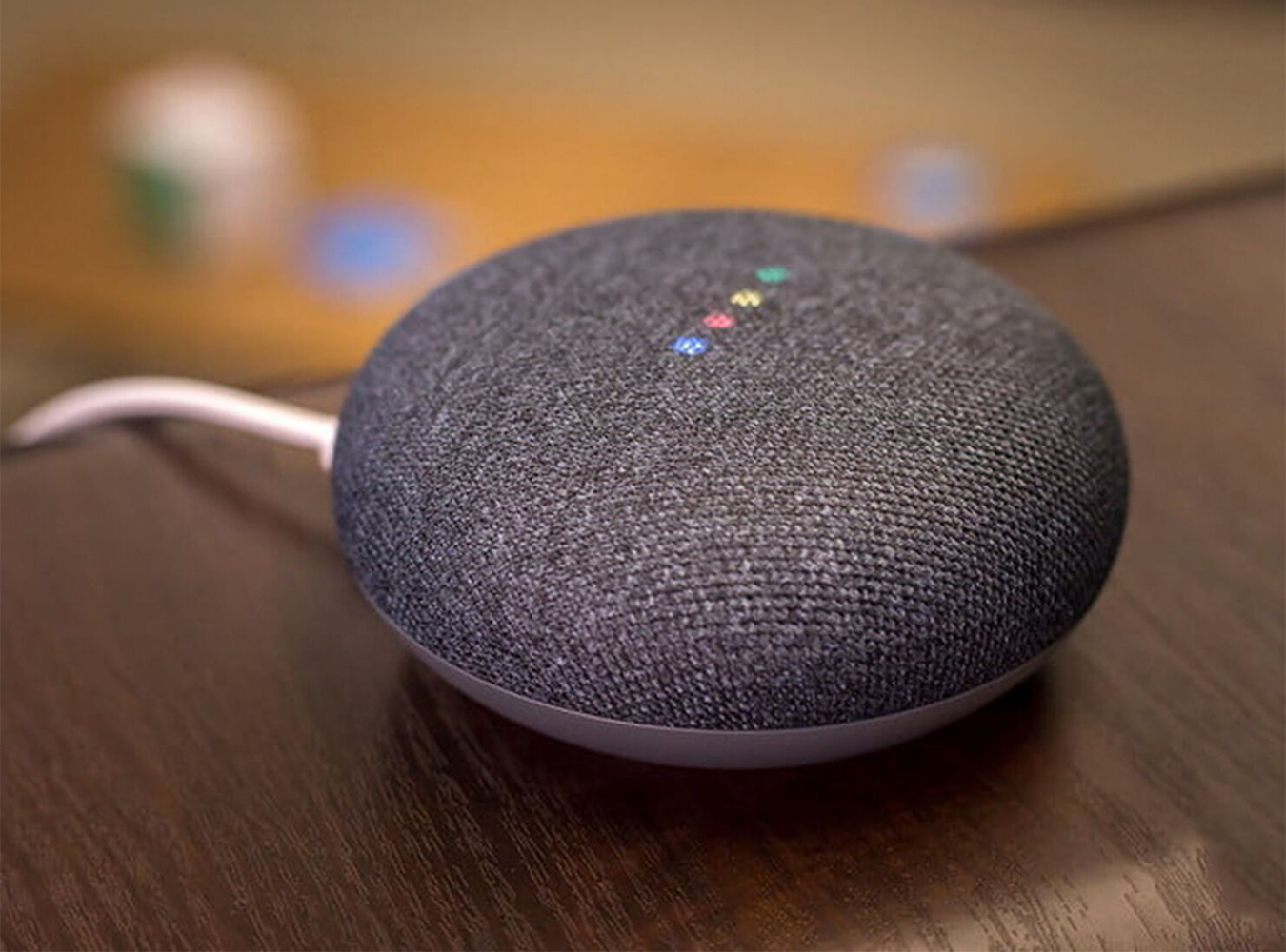 google home mini dieu khien bang giong noi