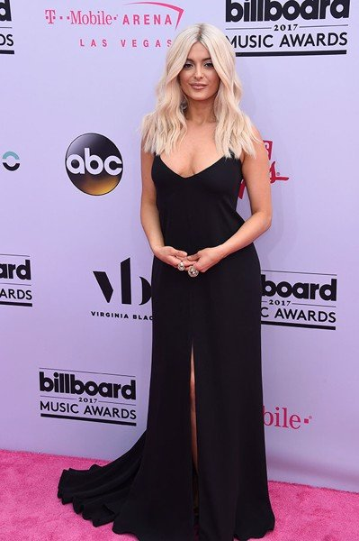 bebe-rexha-billboard-awards-2017