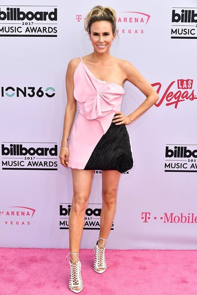 keltie-knight-decker-billboard-awards-2017