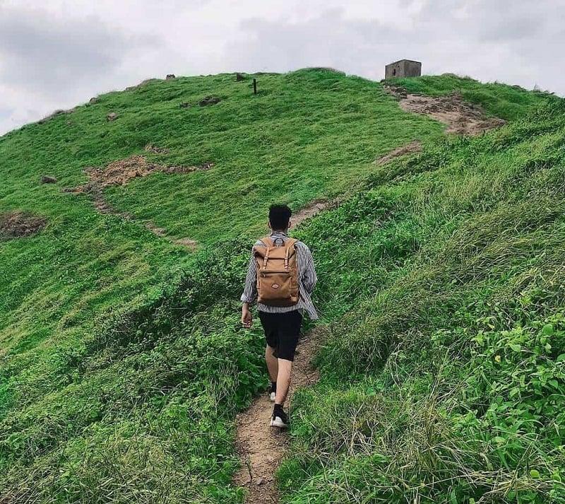 cắm trại trên đỉnh Mũi Nghinh Phong