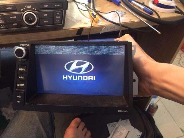 Đầu DVD xe Tucson không lên nguồn là một lỗi cơ bản