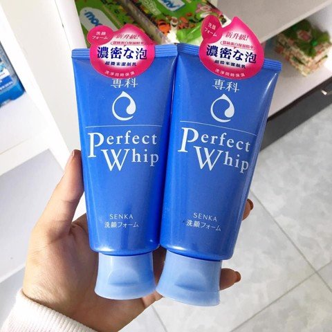 Review sữa rửa mặt Senka Perfect Whip
