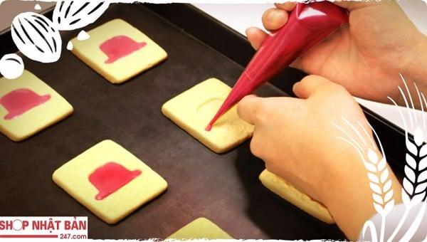 Bánh quy hộp cao cấp Akai Bohshi - hộp màu xanh