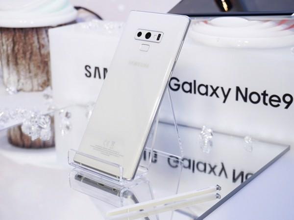 samsung-galaxy-note-9-mat-lung