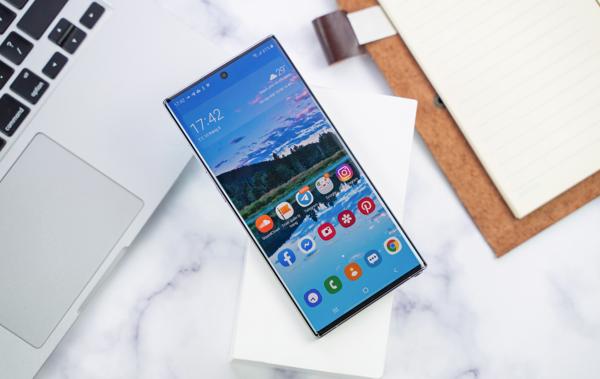 di động v24h So găng Galaxy Note 10+ và iPhone XS Max: Siêu phẩm nào đáng tiền hơn? ảnh 6