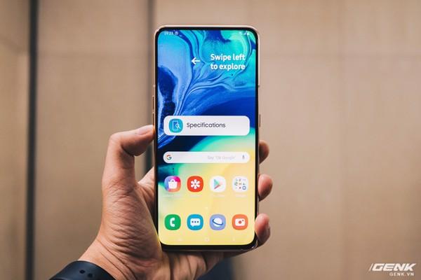 """di động v24h Trên tay Samsung Galaxy A840: Camera xoay lật, màn hình """"New Infinity"""" không tai thỏ, camera 48MP ảnh"""