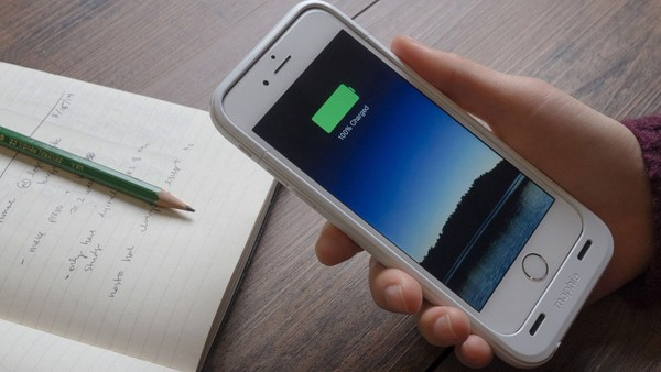 di động v24h 3 cách kiểm tra pin iPhone của bạn bị chai hay chưa (2019) ảnh 1