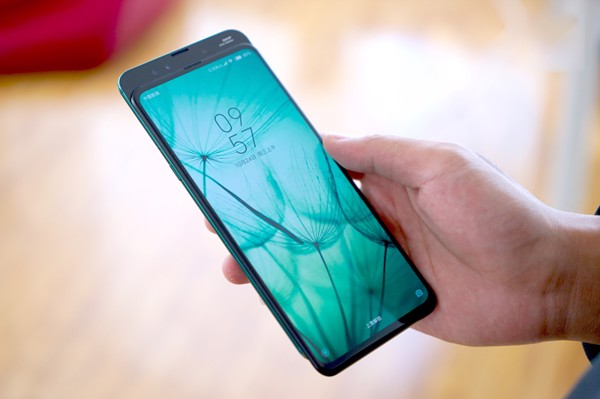 Chọn smartphone màn hình lớn nào cho mục đích chơi game và xem phim?7
