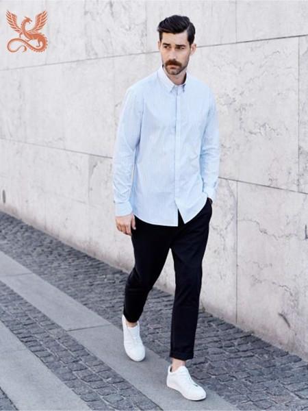 phong cách ăn mặc tối giản casual