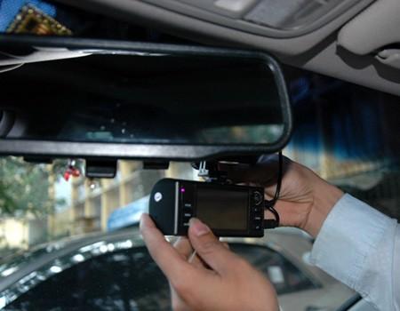 Sử dụng camera hành trình trên ô tô cần lưu ý những gì?