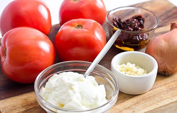 Hỗn hợp sữa chua và cà chua giúp tăng cường khả năng chữa lành cho làn da
