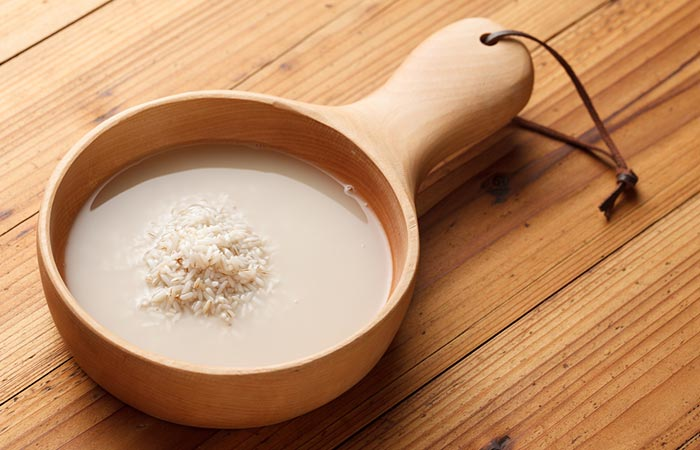 Rửa mặt bằng nước vo gạo là một phương pháp làm trắng da mặt siêu tiết kiệm lại hiệu quả cao