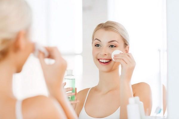 toner/nước hoa hồng trong quá trình chăm sóc da
