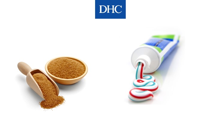 Công thức giảm thâm môi hiệu quả từ kem đánh răng và đường đen