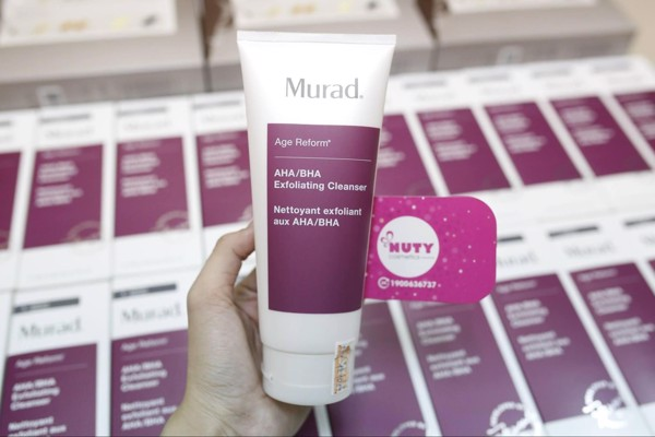 Sữa rửa mặt Murad AHA/BHA Exfoliating Cleanser chuyên dùng cho da dầu mụn