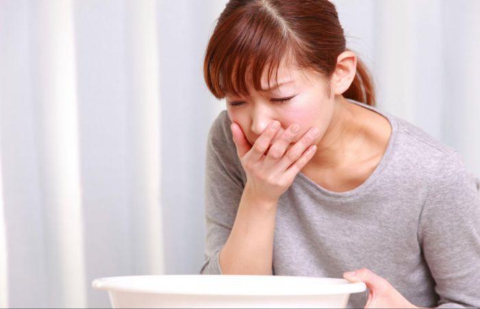 Thường xuyên buồn nôn là dấu hiệu cho thấy cơ thể cần tăng cường chức năng gan
