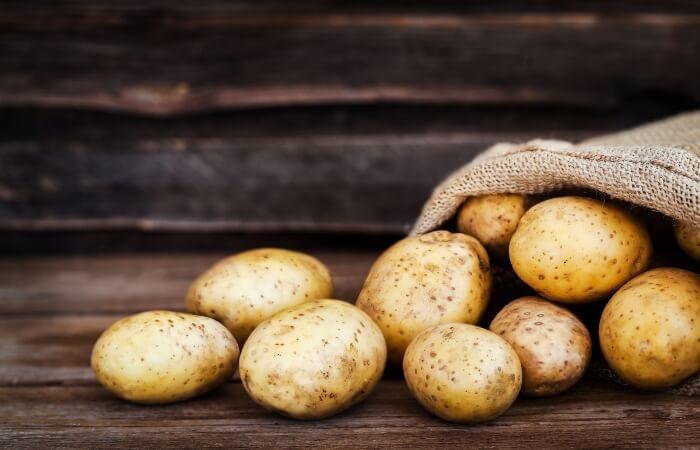 Khoai tây giúp kiểm soát bã nhờn