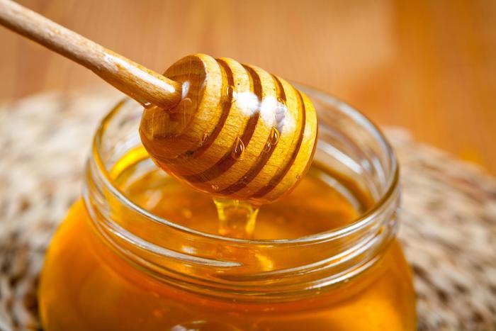 mật ong dưỡng ẩm và nuôi dưỡng da khô