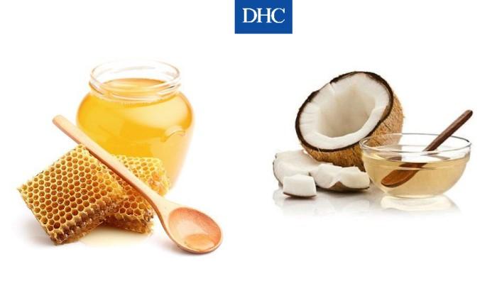 Mật ong và dầu dừa giúp môi thêm hồng và mềm hơn