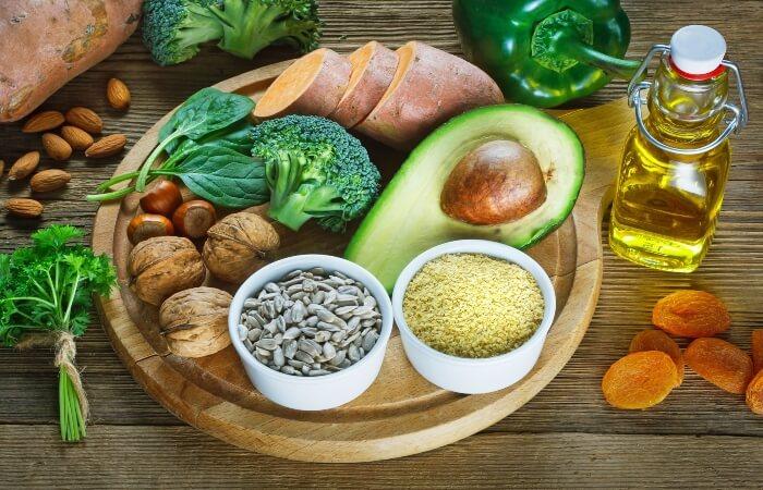 Mẹ bầu vẫn nên bổ sung vitamin E thông qua nguồn thực phẩm tự nhiên