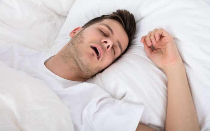 Nên ngủ đủ 8 tiếng/ ngày