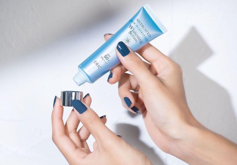 Serum chống nắng làm trắng DHC UV Protection Whitening Serum