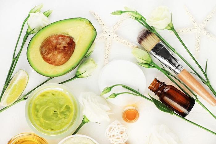 sử dụng mặt nạ tự nhiên dưỡng ẩm cho da khô