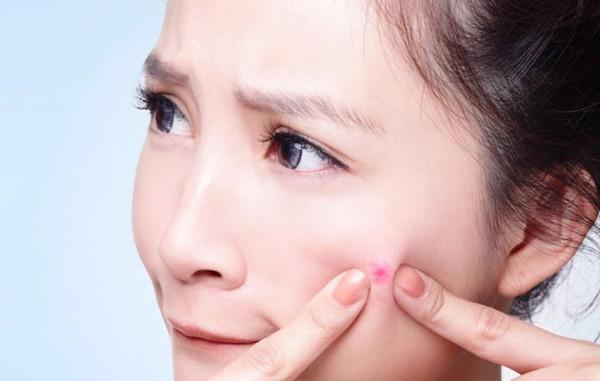 không lạm dụng tinh chất dưỡng da