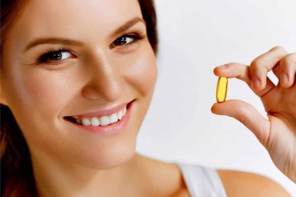 Uống viên bổ mắt giúp bổ sung các loại vitamin thiết yếu cho mắt