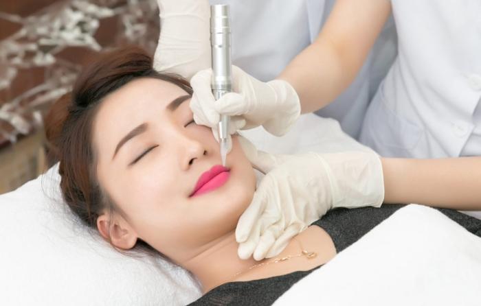 Xăm môi là phương pháp giúp giữ màu môi được lâu nhất