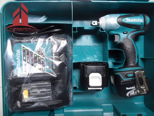 may-van-vit-dung-pin-makita-dtw250rfe-1
