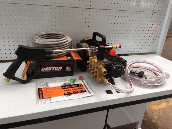 Máy xịt rửa xe Dekton DKT-2000S