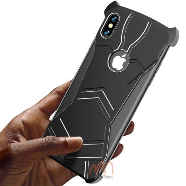 op-lung-iphone-xs-r-just-black-panther-8