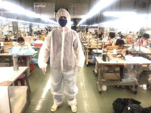 THE CORONAVIRUS FIGHT: LOVELY-VN MAKES MEDICAL MASKS AND GOWNS