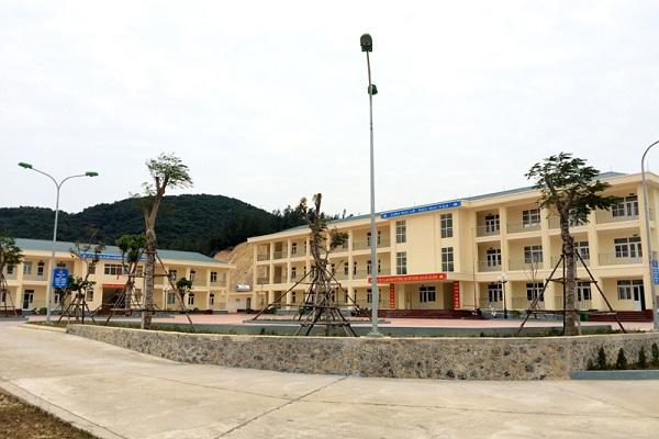 Trường THCS, THPT Quan Lạn, Quảng Ninh