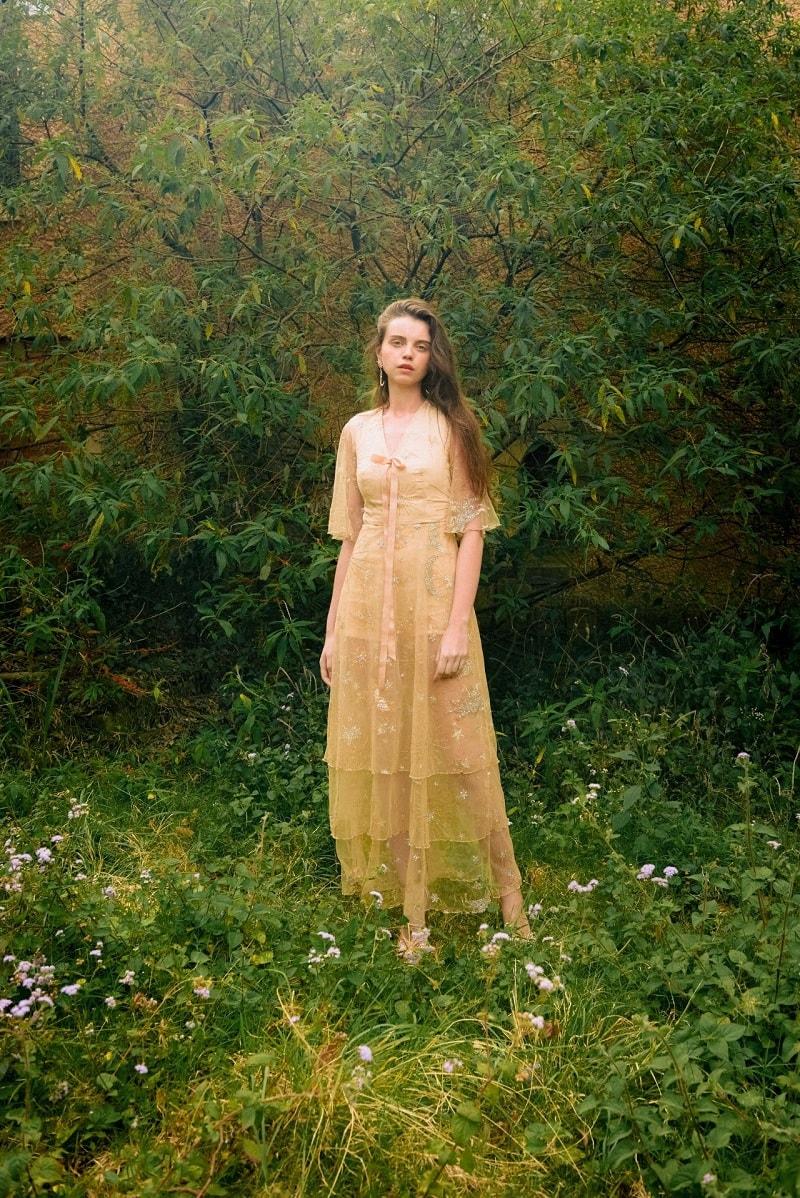 Kiểu váy maxi dịu dàng thướt tha vô cùng được ưa chuộng hiện nay