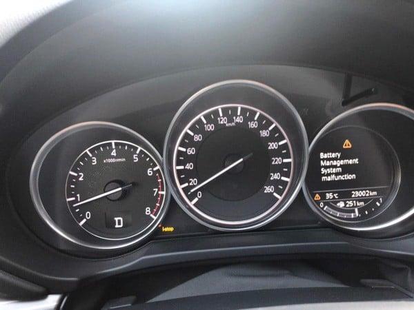 Lỗi Battery Management System Malfunction trên Mazda 3, 6, CX-5, CX-8