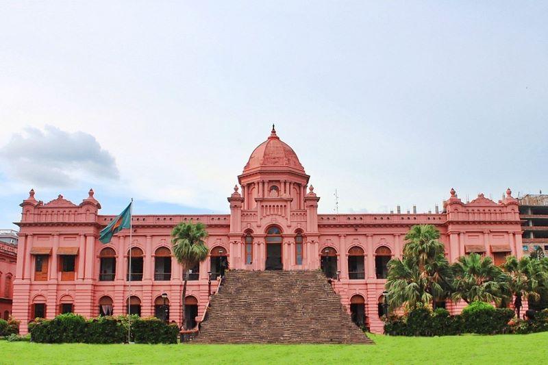 Cung điện Ahsan Manzil kiến trúc của đời sống tinh thuệ của Nawabs của Dhaka trong thế kỷ XIX.