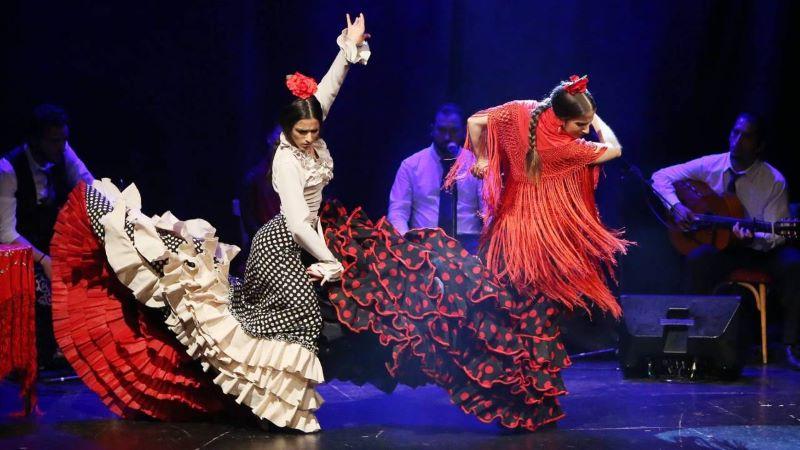 Flamenco - một điệu nhảy khiêu vũ nổi tiếng của Tây Ban Nha