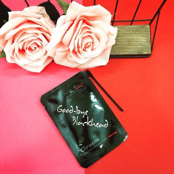 Mặt Nạ Đẩy Sạch Mụn Đầu Đen Goodbye Blackhead Ciracle Review1