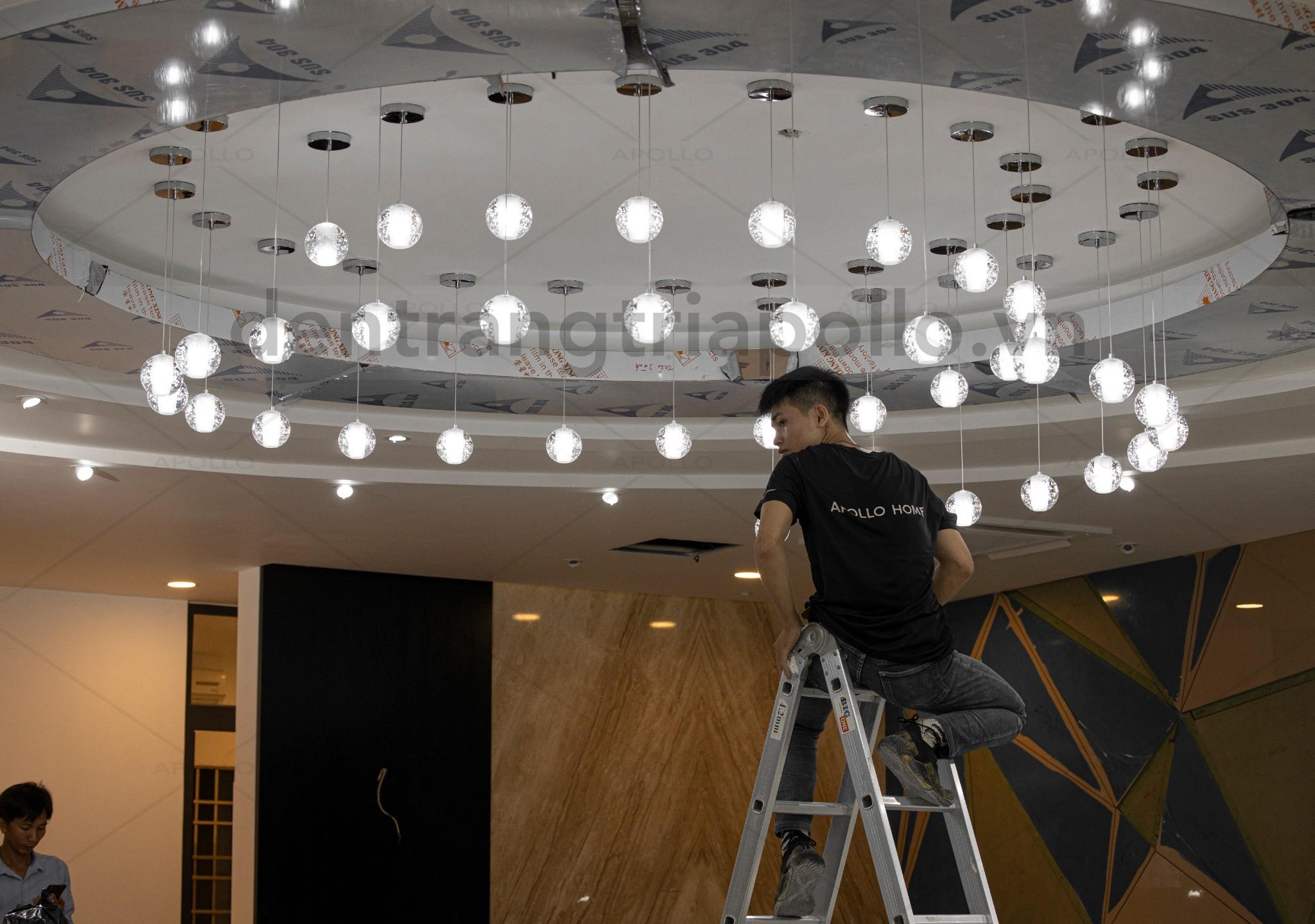 đèn thả sảnh khách sạn